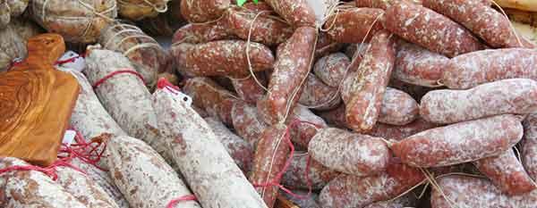 cerchi materiale per la preparazione delle salsicce?